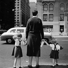 Vivian Maier - 1954, NYC: this could have been my sister and me visiting NYC with our mother.