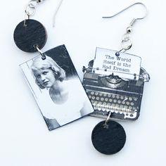 Sylvia Plath Typewriter Earrings: The Bell Jar Silvia Plath, Book Jewelry, The Bell Jar, Vintage Typewriters, Funny Art, Book Stuff, Book Nerd, Teacher Resources, Book Worms