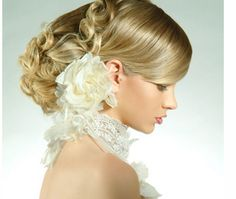2011 brides hairstyles photos.PNG