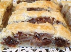 They sold this strudel at a Jewish-Italian Deli that I worked at while going to college. When they closed in the mid I tried creating a similar version of this deli favorite. Phyllo Recipes, Cooking Recipes, Fruit Recipes, Apple Recipes, Brunch Recipes, Apple Strudel, Jewish Recipes, German Recipes, Deserts