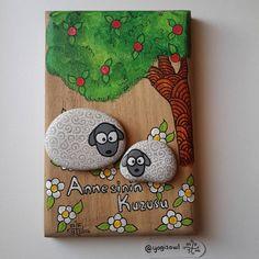 ❤ #taşboyama #stonepainting #rockpainting #pebblepainting #pebbleart #paintedrocks #paintedpebbles #paintedstones #piedraspintadas #sassidipinti