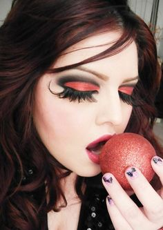Maquillage halloween 99 inspirations pour le visage maquillage halloween femme maquillage - Maquillage diablesse halloween ...