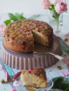 Ihanan Mehevä Raparperikeikauskakku | Annin Uunissa Most Delicious Recipe, Delicious Cake Recipes, Yummy Cakes, Yummy Food, Finnish Recipes, Decadent Cakes, Cake Fillings, Easy Baking Recipes, Frosting Recipes