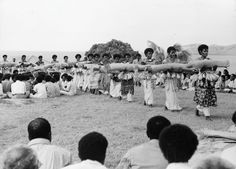 Presentation of Fijian mats and Tapa cloths to Queen Elizabeth, Fiji, 1953, multimedia performance (photo)