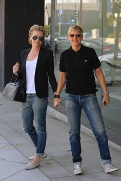 Portia de Rossi has great style!
