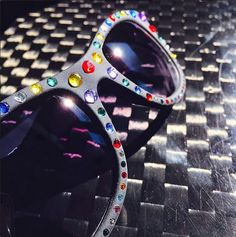 http://www.valentinacuriosea.com/2015/05/gafas-de-sol-asequibles.html