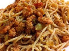 Espaguetis con tomate y soja texturizada