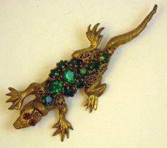 Vintage Czecho Green Rhinestone Lizard Brooch #vintagejewelry #vintagebrooch #czechjewelry #lizardbrooch #figuraljewelry $49.00
