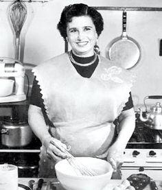 Petrona de Gandulfo, (santiagueña),¿ quien no preparo una comida de ella? Aprendí a cocinar viendo sus programas.