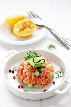 Salmon tartare (in italian) I Love Food, A Food, Good Food, Food And Drink, Yummy Food, Seafood Recipes, Cooking Recipes, Healthy Recipes, Food In French