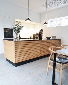 83 Me gusta, 14 Comentarios - Invita Aarhus . Classic Kitchen, New Kitchen, Kitchen Decor, Rustic Kitchen, Kitchen Ideas, Aarhus, Apartment Kitchen, Apartment Interior, Modern Kitchen Design