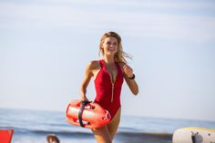 Kelly Rohrbach in Baywatch Alexandra Daddario, Cj Parker Baywatch, Kelly Rohrbach Bikini, Baywatch 2017, Emily Sears, Movies And Series, Red Swimsuit, Swimsuits, Swimwear