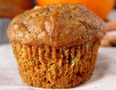 The delicious seasonal pumpkin and banana muffins! - It's a really easy and delicious way to cook pumpkin in the fall! Good little muffins for lunch, - Pumpkin Banana Muffin Recipe, Pumpkin Banana Bread, Banana Bread Muffins, Banana Recipes, Muffin Recipes, Pumpkin Recipes, Baby Food Recipes, Dessert Recipes, Brunch Recipes