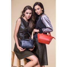 To be Vogue Lady, wearing JESSIE & JANE Women Bag! FREE SHIPPING IN AUGUST! https://jessiejaneaustralia.com.au/