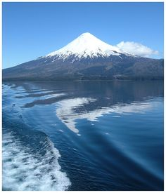 Mount: Volcan Osorno m) Location: Osorno Province and Llanquihue Province, Chile. Bolivia, Dslr Background Images, Equador, Beautiful Places To Travel, Destinations, Amazing Nature, Patagonia, Mother Nature, Places To Visit