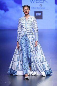 Anita Dongre at Lakmé Fashion Week summer/resort 2016 India Fashion Week, Lakme Fashion Week, Indian Wedding Outfits, Indian Outfits, Lehenga, Anarkali, African Fashion, Indian Fashion, Ethnic Fashion