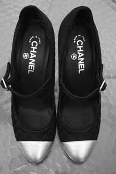 gorgeous chanel shoes.