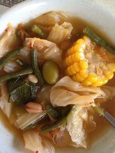 Indonesian food: sayur asem (sour vegetables) ❤️  Mmmmm!! http://indostyles.com/