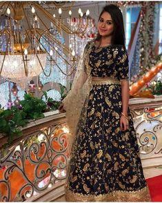 Jannat Zubair Ethnic Wardrobe Is Proof Shows Love for Lehengas; See Pictures Indian Lehenga, Lehenga Choli, Lehenga Blouse, Lehenga Designs, Churidar Designs, Indian Dresses, Indian Outfits, Moda Indiana, Tashan E Ishq