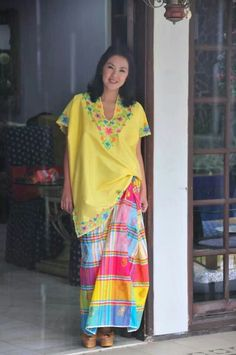 beautiful Baju Bodo! Batik Kebaya, Batik Dress, Kimono, Indonesian Kebaya, Indonesian Girls, Lovely Dresses, Beautiful Outfits, Cool Outfits, Traditional Fashion
