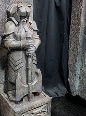 2012-Hobbit's Dwarf Statue at SDCC-03 (David Cummings62) Tags: california ca statue movie sandiego dwarf statues movies hobbit comiccon con props prop peterjackson cummings thehobbit movieprops sandiegocomiccon davidcummings davecummings davidcummingsphotos davecummingsphotos