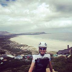 Hello bir gün yine Cape Argus yolunu arşınlıyorum  bisiklet #bike #cervelotr #capetown #capeargus #sunnyday by bahar_saygili