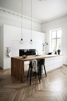 Scandinavian Kitchen, Scandinavian Interior Design, Interior Design Kitchen, Scandinavian Style, Scandi Style, Coastal Interior, Minimalist Scandinavian, Kitchen Wood Design, Scandinavian Fireplace