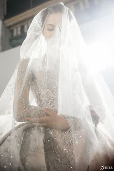 Designer Wedding Dresses, Bridal Dresses, Perfect Wedding, Dream Wedding, Dress Vestidos, Wedding Veils, Beautiful Dresses, Marie, Ideias Fashion