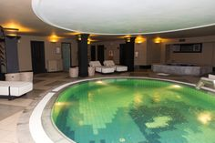Relax, refresh and rejuvenate with a spa treatment in our Thalasso Spa Center!