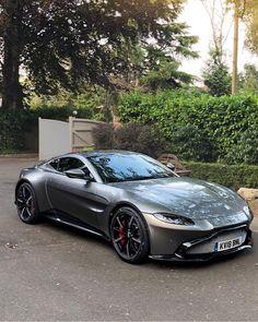 Aston Martin Vantage - Cars and motor Aston Martin Vantage, Aston Martin Db10, Carros Aston Martin, Aston Martin Cars, Aston Martin Vulcan, Koenigsegg, Audi A3 Limousine, Audi 100, Luxury Sports Cars