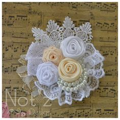 corsage, fabric flower, kode : , order>> Line : notzdesign , WA Hand Flowers, Cloth Flowers, Diy Flowers, Fabric Flowers, Fabric Flower Headbands, Fabric Flower Brooch, Silk Ribbon Embroidery, Fabric Ribbon, Brooches Handmade