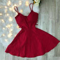 I know things get super hectic this time of year and with all of the things to buy, finding fun, holiday outfits for all of those parties can end up being the last Hoco Dresses, Striped Maxi Dresses, Dance Dresses, Homecoming Dresses, Dress Outfits, Prom, Dress Clothes, Cute Casual Outfits, Pretty Outfits