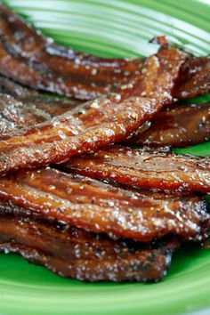 "Brown Sugar and Black Pepper Bacon - If you love bacon, you know that it is almost impossible to make it any better than it is when you simply fry it up in a pan. But if you're a fan of ""salty/sweet"" AND a bacon fan, then this dish is for you. Breakfast And Brunch, Breakfast Dishes, Breakfast Recipes, Bacon Recipes, Brunch Recipes, Cooking Recipes, Candied Bacon Recipe, Brown Sugar Bacon, Sweet And Salty"