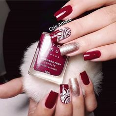 #unhas #unhasvermelhas #unhasdecoradas #avon #lindo Ulta Coupon Code, Nail Art Noel, Make Your Own Calendar, Bee Embroidery, Pedicure, Nail Art Designs, Nail Polish, How To Make, Avon