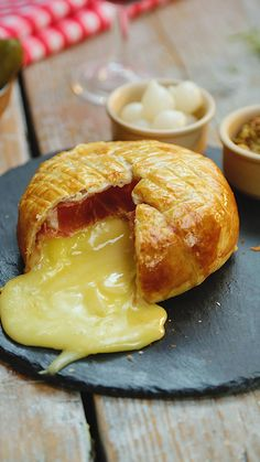 Pie Pastry Recipe, Puff Pastry Recipes, Good Food, Yummy Food, Healthy Food, Appetisers, Finger Foods, Appetizer Recipes, Brie Appetizer