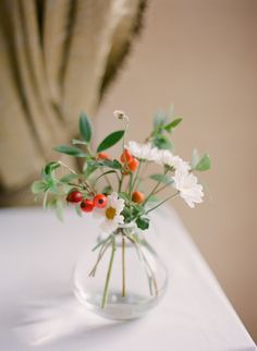 Red and White Flowers at the Borgo Santo Pietro | photography by http://www.ktmerry.com/blog/