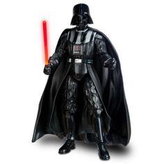 Notre Dark Vador parlant sera le Seigneur Noir de votre collection Star Wars ! Cette figurine du côté obscure arbore un sabre laser à effets sonores, et prononce certaines de ses phrases les plus célèbres.