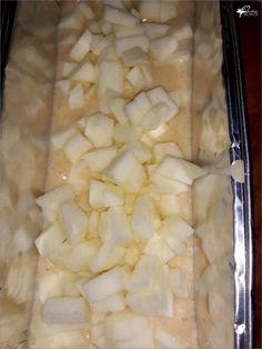 Szybkie ciasto z jabłkami mieszane łyżką | Słodkie okruszki Polish Recipes, Pie Recipes, Cooking Recipes, Healthy Recipes, Sweets Cake, Apple Cake, Finger Foods, Homemade Cakes, Catering