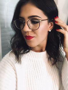 Round Glass, Makeup Looks, Make Up, Glasses, Fashion, Eyewear, Moda, Eyeglasses, Fashion Styles