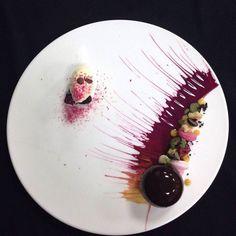 #foodart #foodplating #fooddesign #fooddecoration Beaux Desserts, Fancy Desserts, Food Design, Food Plating Techniques, Dessert Decoration, Dessert Food, Scotch Whiskey, Baking And Pastry, Culinary Arts