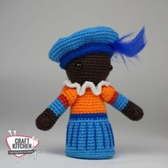 gratis haakpatroon piet sinterklaas - CraftKitchen Crochet Diagram, Free Crochet, Knit Crochet, Crochet Hats, Knitting Patterns, Crochet Patterns, Smurfs, Hello Kitty, Diy And Crafts