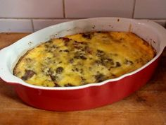 Here's a low carb cheeseburger casserole that is totally family friendly. Ground beef, onion, bacon, and pickles are mixed together, topped with cheese, and then have a mayonnaise cream sauce poured over the top. It's baked and is kind of like a quiche but not really.    I can tell you ...