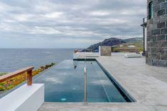 Hotel Faro de Punta Cumplida en Tenerife - Precios 2019 Rusticae Hotel Faro, Barbacoa Jardin, Tenerife, Lighthouse, Outdoor Decor, Home Decor, Colonial Style Homes, Natural Swimming Pools, Vacation Places