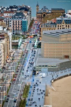 San Sebastián (en euskera Donostia) es la capital de la provincia de Guipúzcoa, en la comunidad autónoma del País Vasco, España - San Sebastian (Donostia in Basque) is the capital of the province of Guipúzcoa, in the autonomous community of Basque Country, Spain