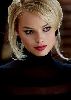 """MARGOT ROBBIE - This woman is gorgeous and SMART; she refuses to date actors![{ So, she's got brains and realizes 2 actors are not a good combo!}]""<- tell THAT to Angelina Jolie and Brad Pitt, Jennifer Anniston and Justin Theroux etc., other pinner."