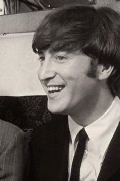 john lennon.........LOVE THIS PIC OF JOHN