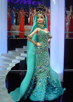vestido de barbie com pedrarias  http://www.beadshop.com.br/?utm_source=pinterest&utm_medium=pint&partner=pin13