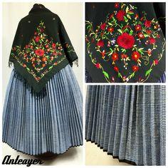 Ropa tradicional de Anteayer.es Spanish Costume, Bell Sleeves, Bell Sleeve Top, Mini Skirts, Regional, Tops, Women, Ideas, Fashion