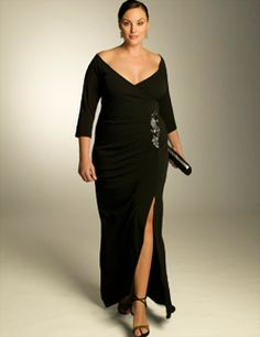 Plus size formal dress is included in plus size formal wear for women. The other choice of plus size formal wear for women that you can try is the dressy pant suit. Plus Size Gowns, Evening Dresses Plus Size, Wedding Dresses Plus Size, Plus Size Outfits, Evening Gowns, Formal Dresses, Wedding Gowns, Plus Size Fashion For Women, Plus Size Women