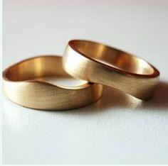 Pareja de alianzas puzle, anillos boda, alianzas oro
